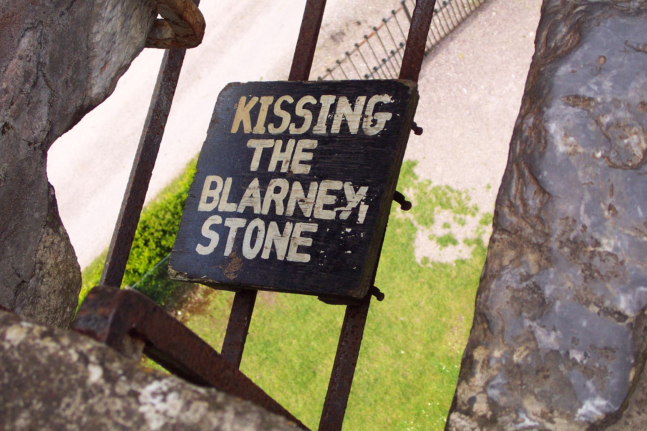 kiss-the-Blarney-stone